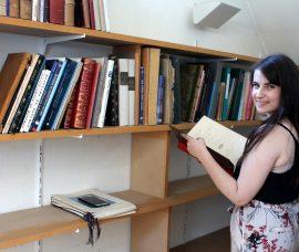 Une bibliothèque référencée et bien rangée à consulter !